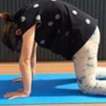 背中をやわらくほぐし、腰痛をやわらげるヨガであなたの「反り腰」改善!!